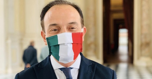 """Il Piemonte contro i colossi dell'online, Cirio: """"Aumentare la web tax al 30%"""""""