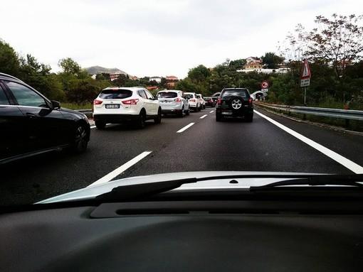 Da metà marzo in Piemonte il 43,4% delle auto ha continuato a muoversi