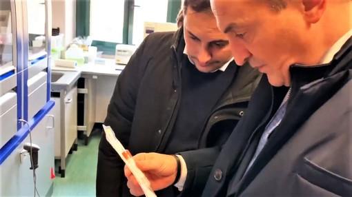 """A Cuneo uno dei tre nuovi laboratori per analizzare i tamponi del Coronavirus: così la Regione raddoppia la capacità dei test giornalieri e Amedeo di Savoia e Molinette """"respirano"""""""