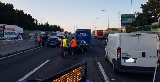 Tamponamento tra auto, Tangenziale di Torino nella zona ovest bloccata