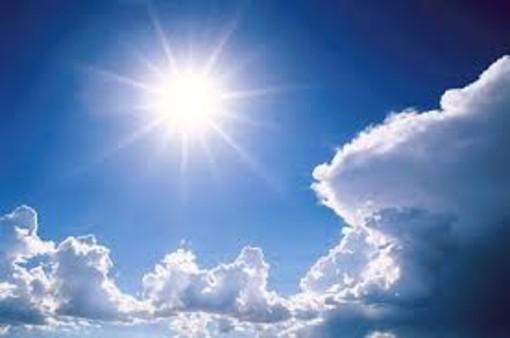 Meteo, arriva il rialzo termico ma il cielo sarà variabile per tutto il fine settimana