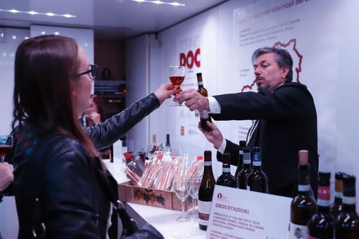 Rosso, bianco e bollicine: il vino protagonista tra gli eventi del weekend a Torino e provincia