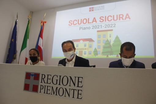 """Scuola sicura tra vaccini, nuovi bus e tamponi gratis. Cirio: """"Obiettivo lezioni in presenza"""" [VIDEO]"""