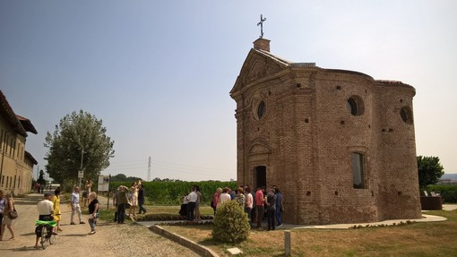 Dopo il taglio del nastro arriva il primo appuntamento con la Cappella Mandina di Grugliasco