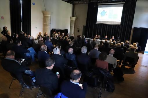 """A Grugliasco il convegno """"Le aziende dei servizi pubblici locali. Tra storia, normativa e prospettive future"""""""