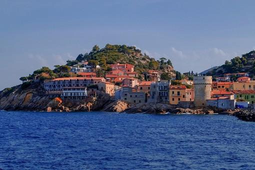 Isole del Mediterraneo da scoprire: vacanze nel nostro mare in mete originali