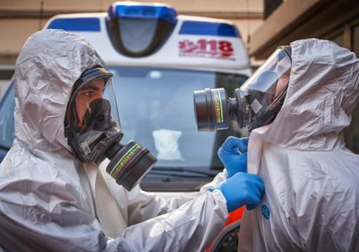 Altri 78 decessi per Covid in Piemonte. Calano i ricoveri (-61), due persone in più in terapia intensiva