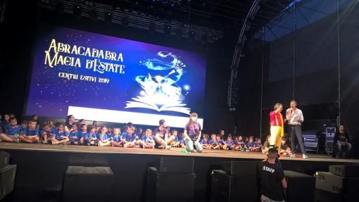 """Oltre 300 bambini dei centri estivi di Spaziomnibus sul palco del Gruvillage di Grugliasco per il """"Magic summer dream show"""" [FOTO]"""