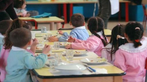 Anche le mense scolastiche nel voucher per lo studio: la Regione dice no