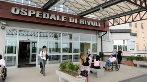 Investita mentre attraversava la strada: 36enne in prognosi riservata all'ospedale di Rivoli