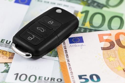 Assicurazioni auto: continuano a calare i prezzi, ma Torino resta la provincia più cara del Piemonte