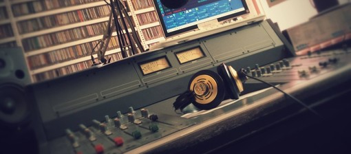 Dalla Regione novecentomila euro in tre anni al comparto radiotelevisivo locale