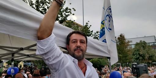 """Centinaia a Venaria per Matteo Salvini: """"Ho perdonato il ragazzo del Pd, ma con le minacce non si scherza"""" [VIDEO]"""