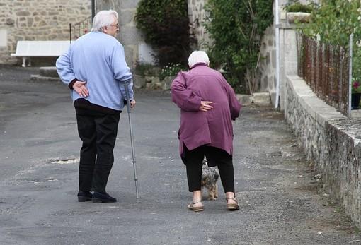 Collegno e Grugliasco, dal Cisap un contributo per chi cura in casa un anziano non autosufficiente