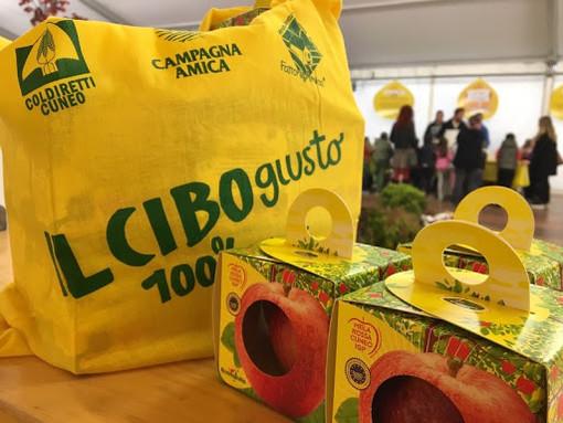 """Coldiretti Torino inventa la """"spesa senza borse"""": nei mercati di Campagna Amica ora si può fare la spesa senza portarsele dietro"""