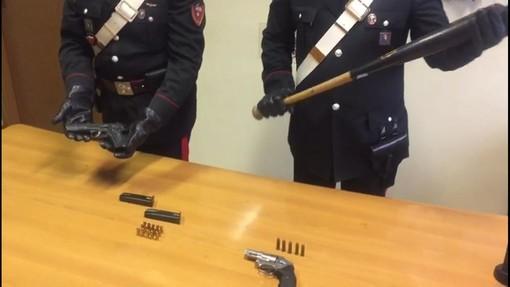 Rissa in un bar di Rivoli con bastoni e pistole: quattro uomini arrestati [VIDEO]