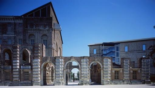 """Castello di Rivoli e Libreria Luxemburg insieme per """"Glass Nost"""""""