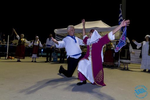 Moussaka, Ouzo e musiche tradizionali: la Grecia sbarca a Rivoli a ritmo di Sirtaki