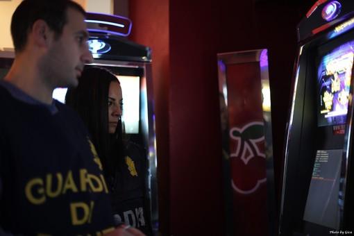 Slot machine truccate per eludere il fisco. Sequestri anche ad Alpignano e Pianezza
