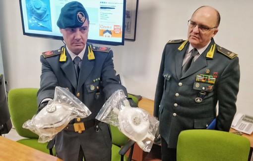 Coronavirus: mascherine vendute su Ebay a 5 mila euro, denunce e perquisizioni in tutta Italia