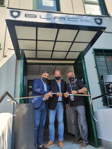 Rivoli, gran successo di pubblico e vetture per l'inaugurazione della nuova sede Black
