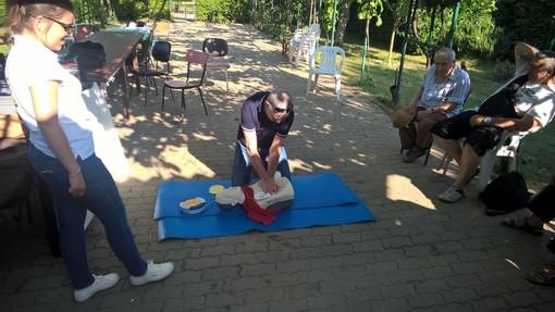 Grugliasco, istruzioni d'uso per il defibrillatore degli orti urbani [FOTO]