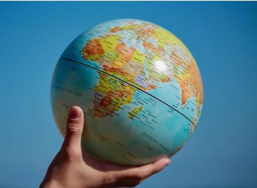 """L'Export regala un sorriso ai """"piccoli"""": affari in crescita del 3,7%, """"ma l'Europa difenda i nostri prodotti"""""""