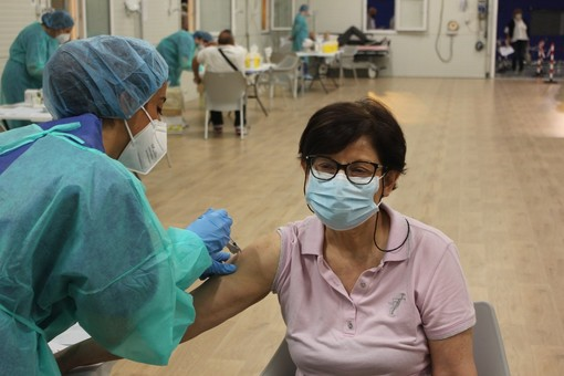 Covid, oggi 42.394 vaccinati. Superate in Piemonte le 3,5 milioni di somministrazioni