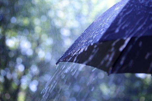 Meteo, weekend con piovaschi e temporali alternati a schiarite