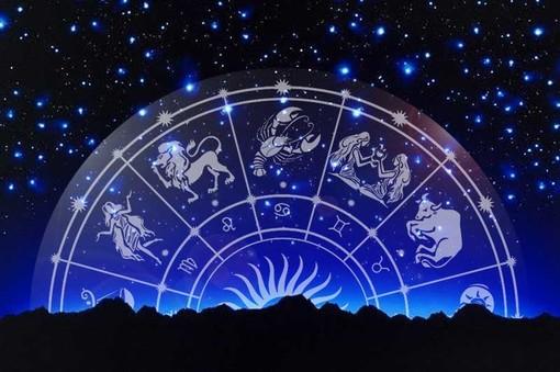 L'oroscopo di Corinne: ecco cosa dicono le stelle