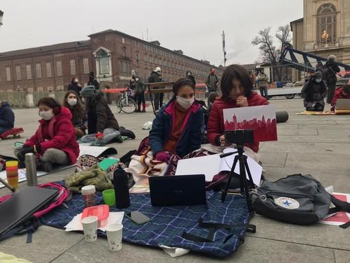 immagini di repertorio della protesta anti dad