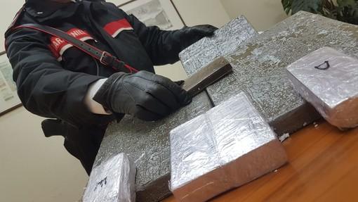 """In 9 mesi più di 1.600 cessioni di droga, i Carabinieri di Venaria arrestano lo spacciatore chiamato """"Amore"""""""
