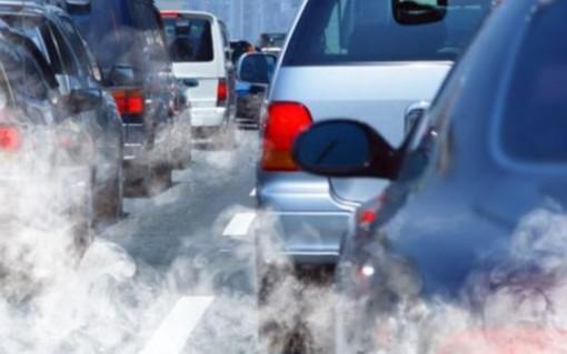 auto smog tubo di scappamento