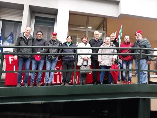 Rivoli, presidio dei sindacati della Asl To3 davanti al Poliambulatorio di via Piave [FOTO]