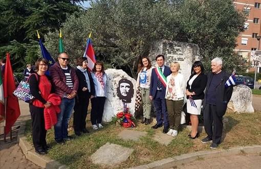 """Da Collegno a Cuba per ricordare Ernesto """"Che"""" Guevara"""