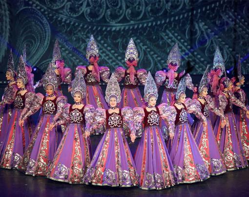 """Il Russian National Show """"Gzhel"""" al Teatro Concordia di Venaria"""