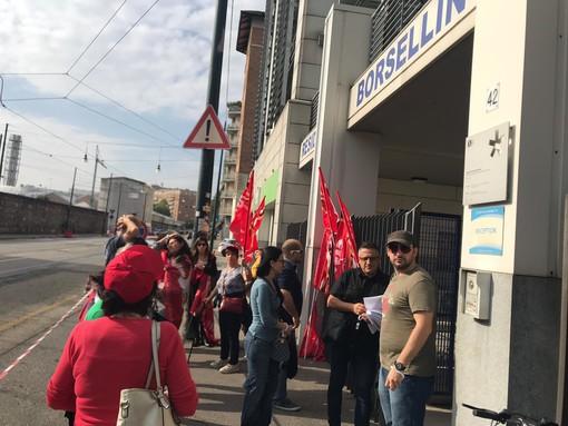 """Scioperano i lavoratori della residenza universitaria Borsellino: studenti """"chiusi fuori"""" fino a mezzanotte"""