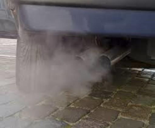 """Smog, da domani in Torino e provincia semaforo viola: """"Usate l'auto solo per necessità"""""""