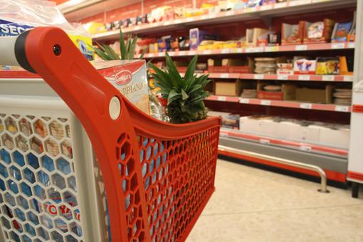 carrello del supermercato - foto d'archivio