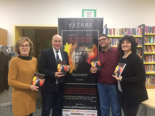 """Collegno presenta """"Le trappole dell'anima"""", un libro per dire stop alla violenza"""
