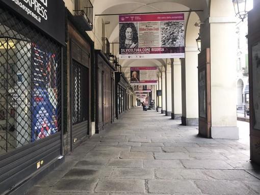 Piemonte in zona rossa da lunedì, scuole chiuse anche a Torino. Già da domani lo stop agli spostamenti verso le seconde case